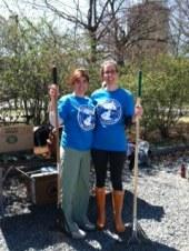 Earth_Day_Volunteering_4.27.2013